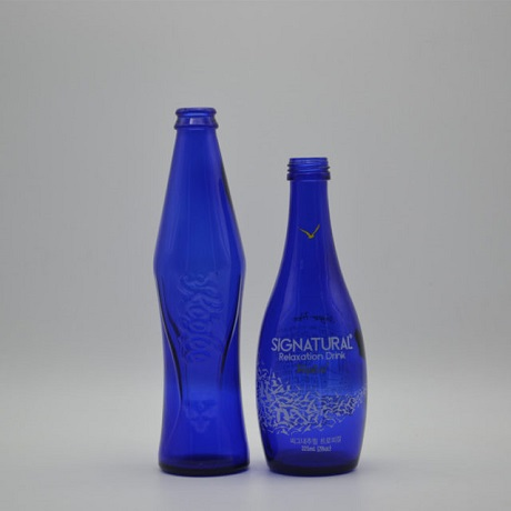 Chinese Manufacture 500ml Vintage Blue Glass Liquor Bottle