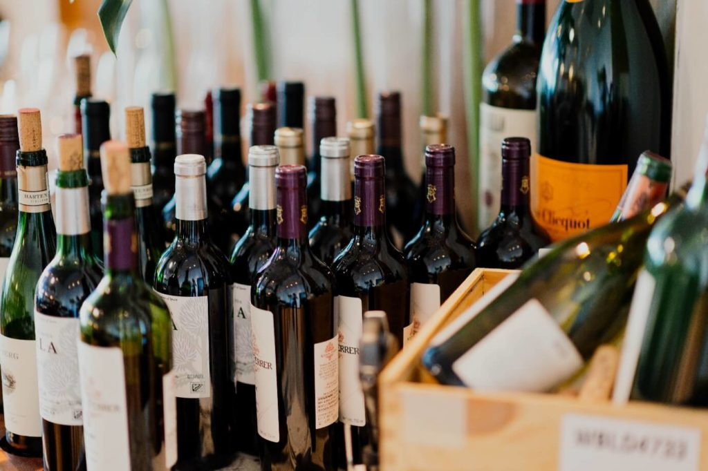 How Many Ounces (Oz) are in a Bottle of Wine?
